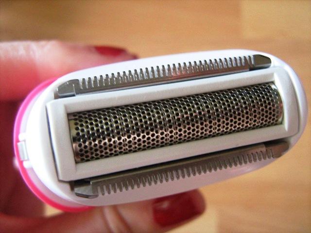 how to use veet razor