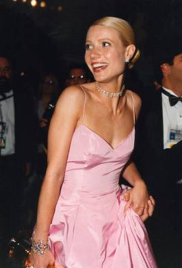 Ah vintage Gwyneth. Growing up, my friend Lee-Anne and I used to worship this woman.