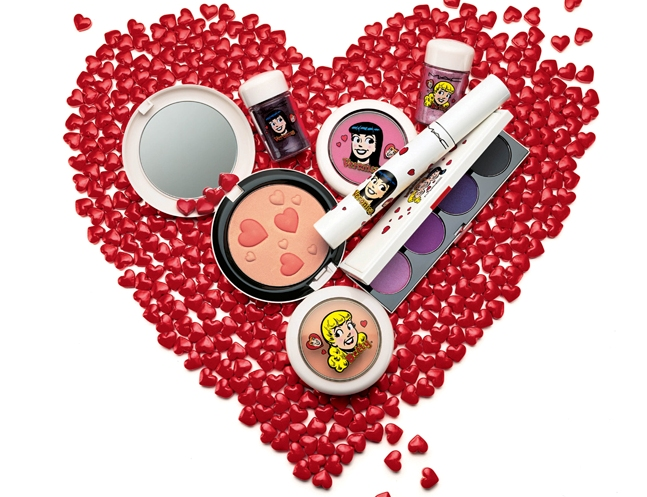 How much do we want that mooi heart-riddled compact?