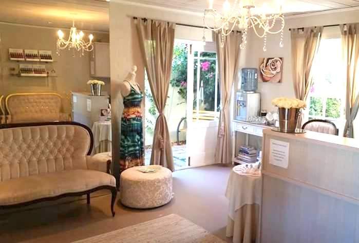 More Lash & Beauty Room prettiness
