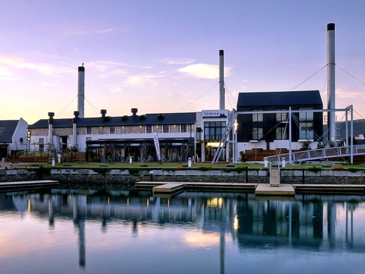 Keen on sundowners at the Turbine Hotel in Knysna?