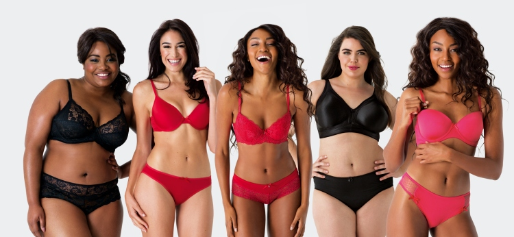 How pretty is the black, lacy dude on the left? I quite like the rooi one in the middle too. Also, isn't it nice to see gorgeous lingerie models that look like real people?