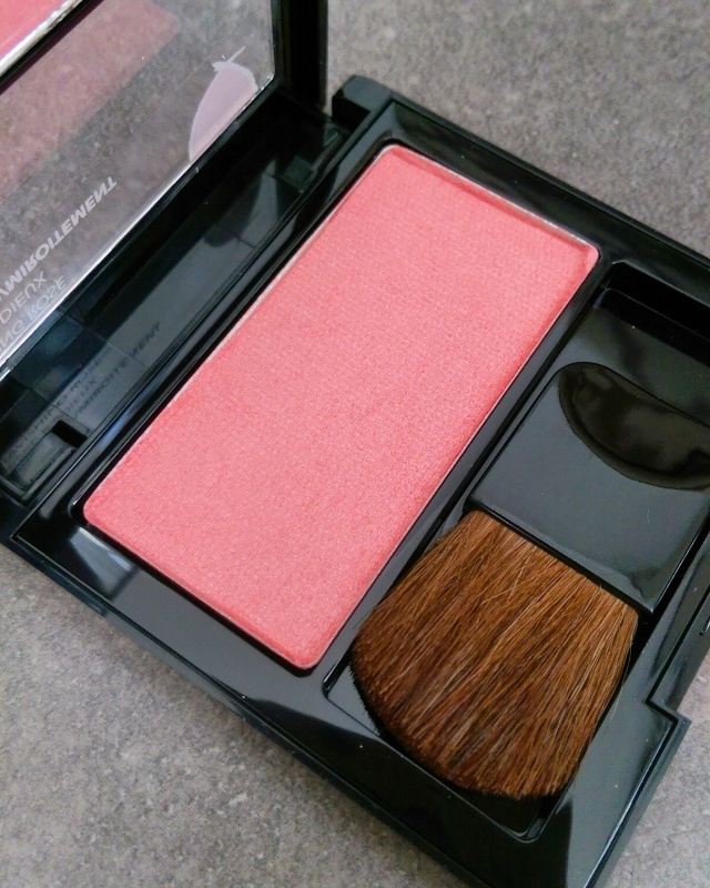 I'd describe this shade as a cross between pink and peach. It reminds me a little of MAC's Springsheen.