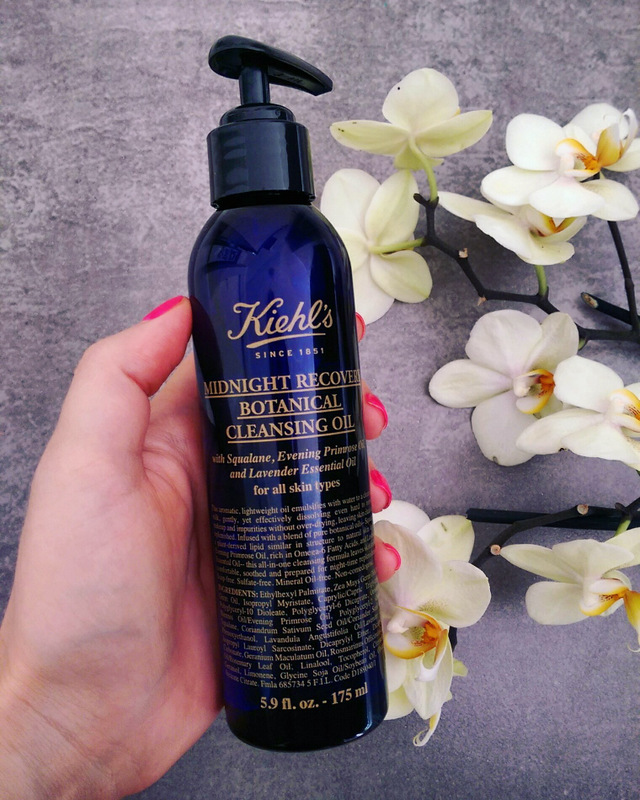Beauty reviews: Pond's Pimple Clear, Kiehl's Midnight Recovery
