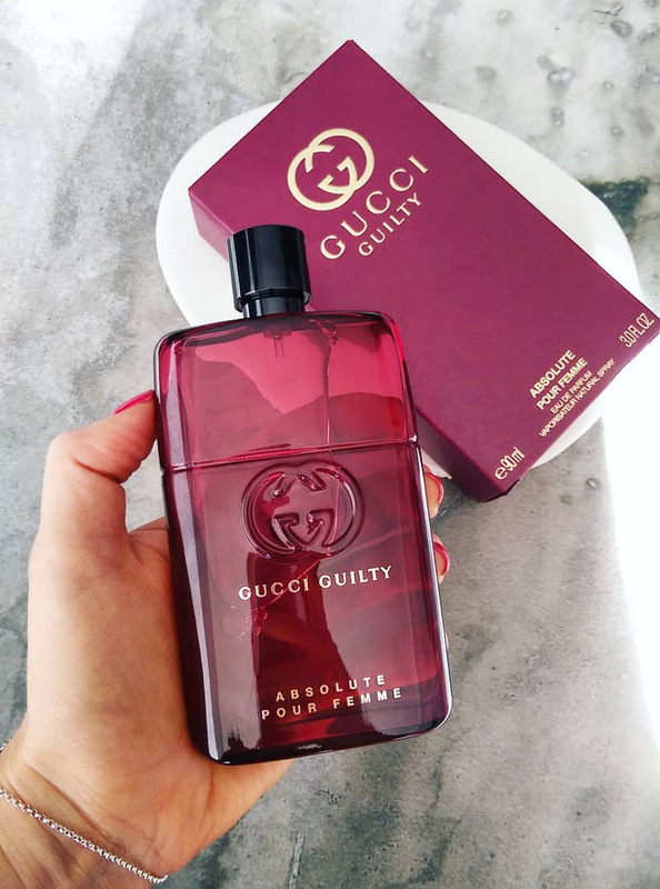 4798176fd0 Mense, is jy rerig vir 'n triple skop of fragrance reviews? In a weird  twist of fate, they all happen to be purple. Barney the dinosaur would be  proud.